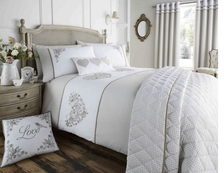 Valentina Gingham Embroidered duvet set